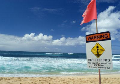 Perill d'ofegament a la platja: els corrents de retorn